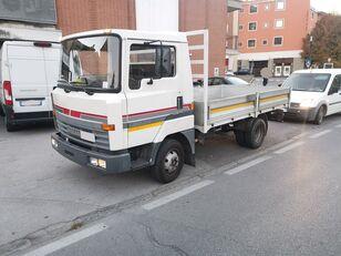 NISSAN L50.09 Cassone Fisso 50 qli - Patente C !!! camión caja abierta