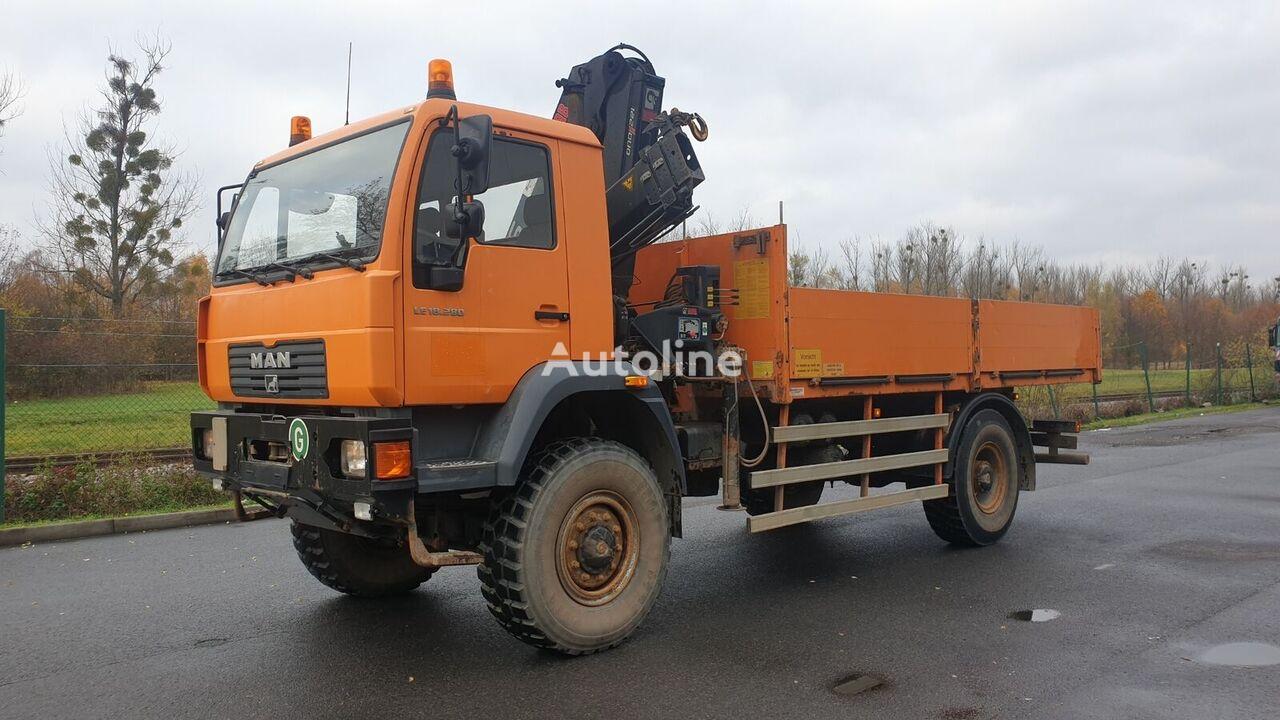 MAN LE 18.280 4x4 mit Kran camión caja abierta