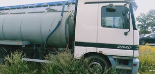 MERCEDES-BENZ 2540  camión cisterna
