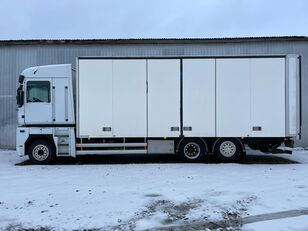 RENAULT MAGNUM 520.26 camión furgón
