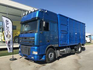 DAF 95XF.480  camión para transporte de ganado