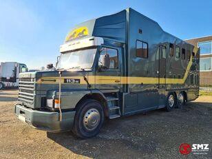 SCANIA 113 paarden/mobilhome camión para transporte de ganado