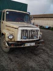 GAZ 3307 camión toldo