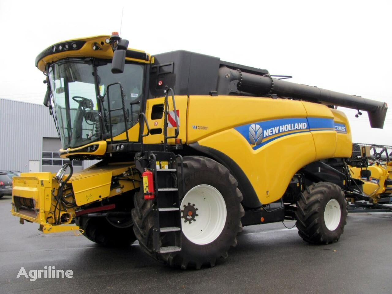 NEW HOLLAND CX 8.85 cosechadora de cereales