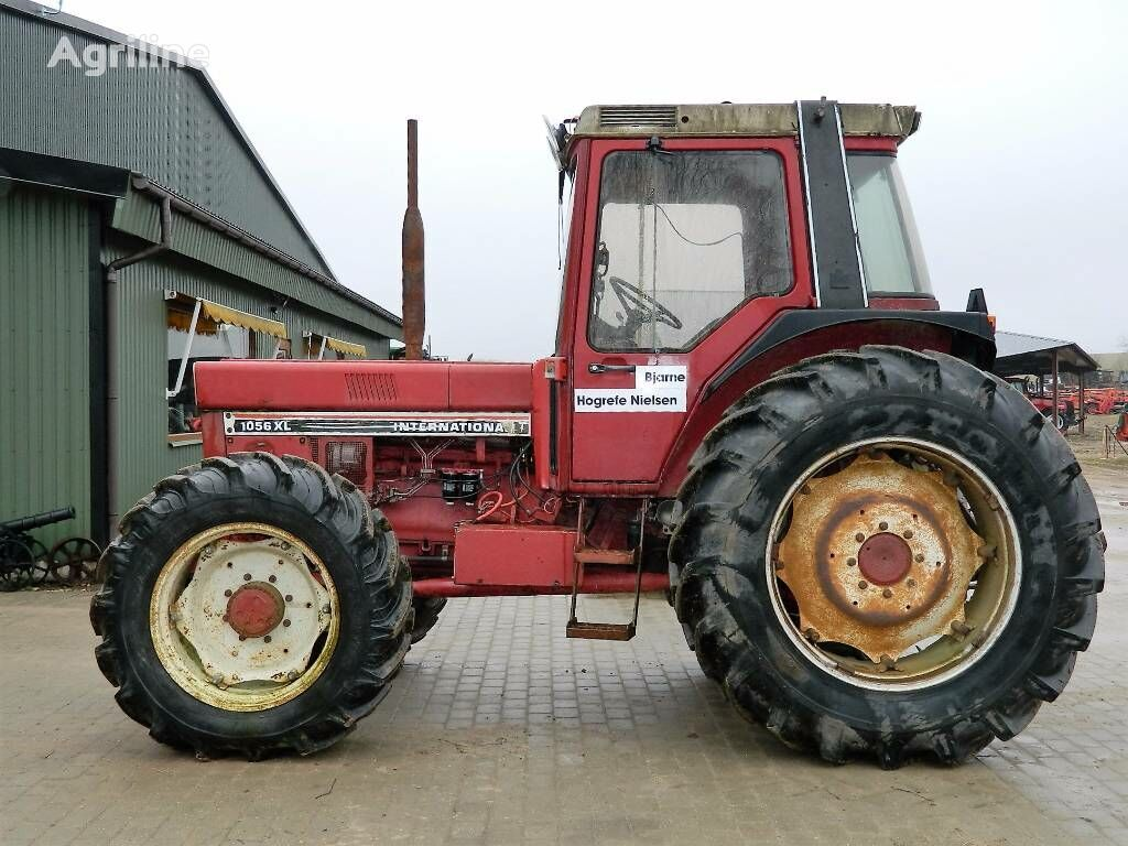 INTERNATIONAL 1056 XL tractor de ruedas