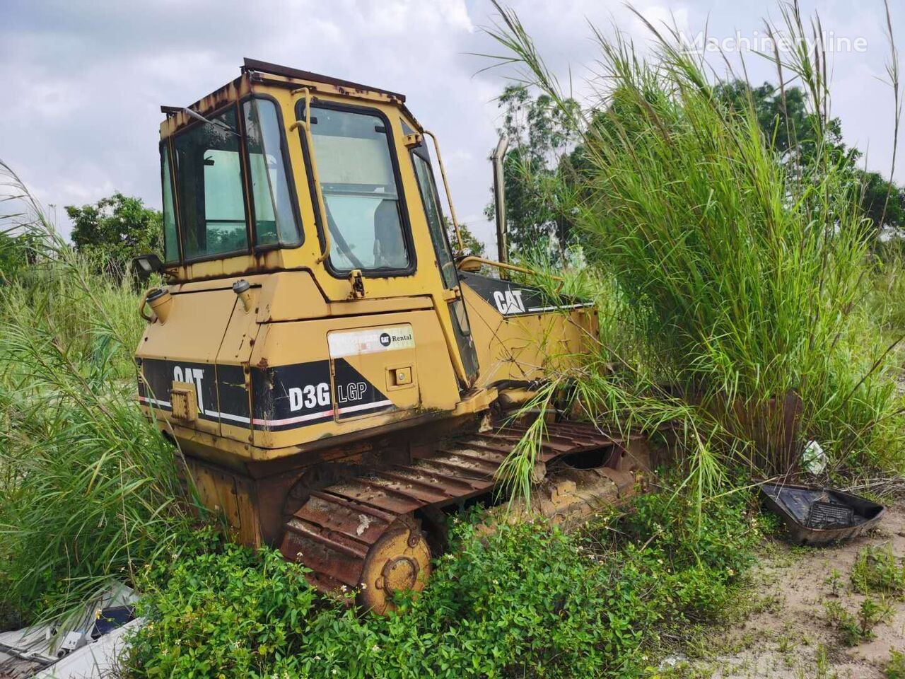CATERPILLAR D3G bulldozer