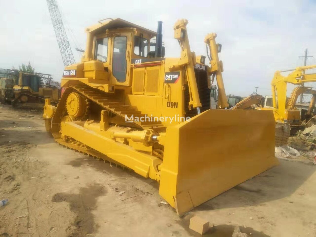 CATERPILLAR D9N  bulldozer