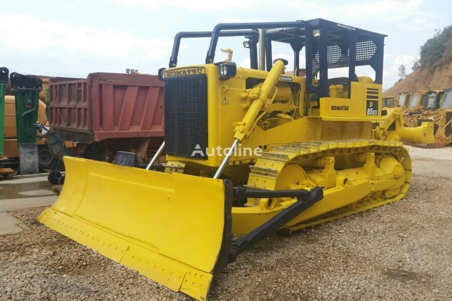 KOMATSU D85-12A bulldozer