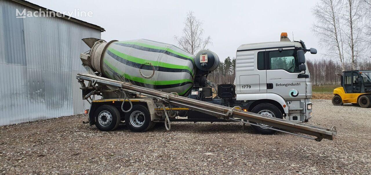 MAN TGM 26.340 + HYDRAULIC PIPE 9m camión hormigonera