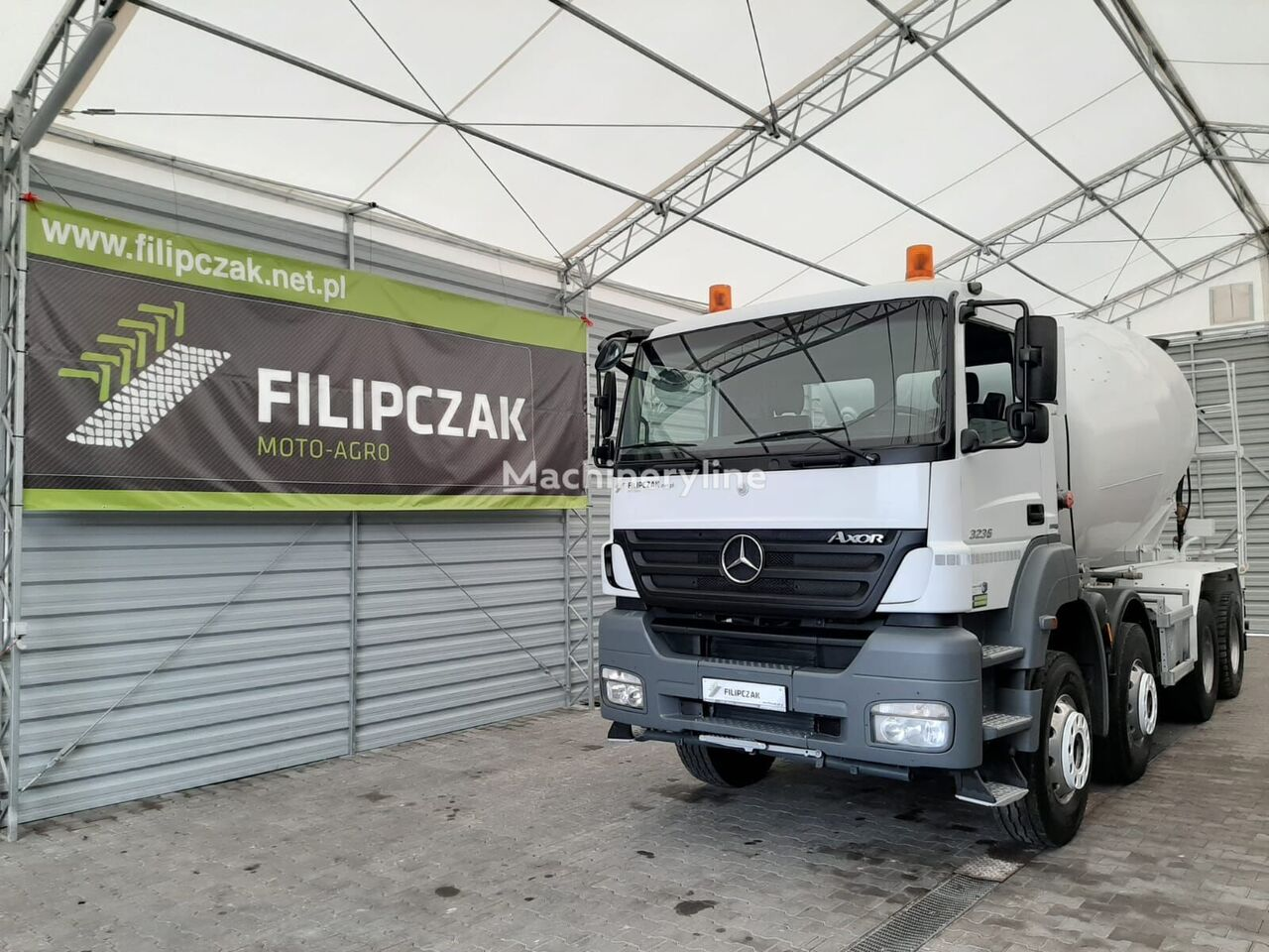 Liebherr  en el chasis MERCEDES-BENZ Axor 3236 camión hormigonera