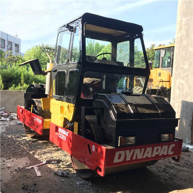 DYNAPAC CC211 compactador de asfalto