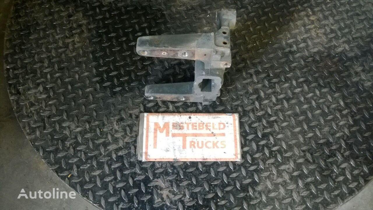 elementos de sujeción para DEUTZ Steun chassisbalk rechts tractora