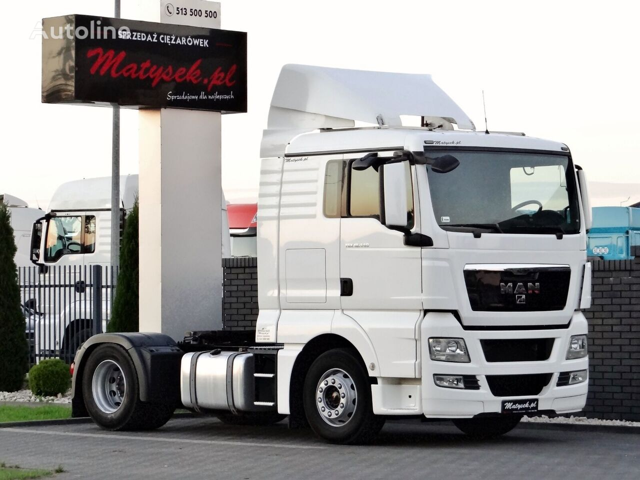 MAN TGX 18.440 / LOW CAB / MANUAL / EURO 5 / 370 000 KM /  tractora